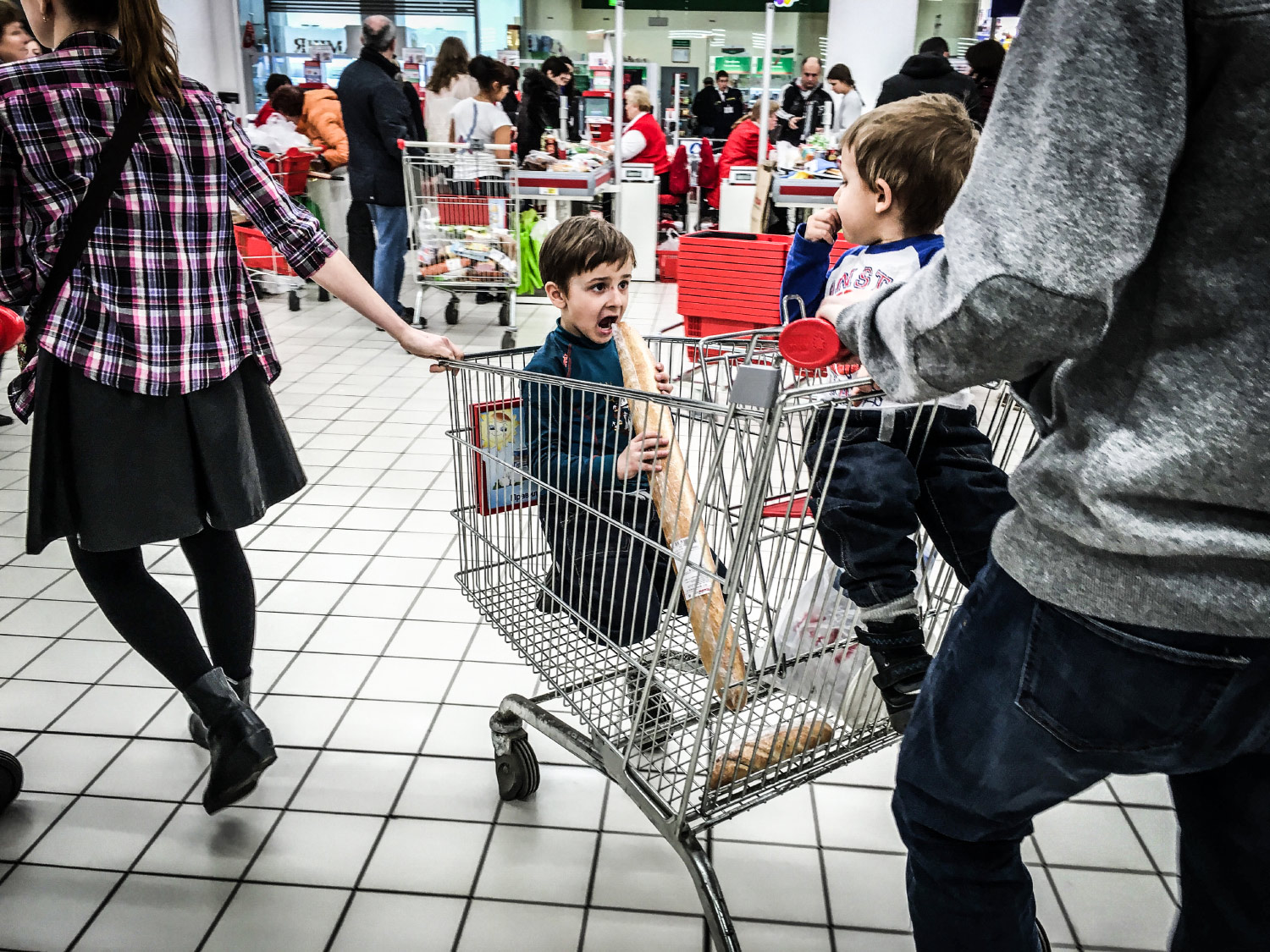 Shop the kid - Documentary photographer Anna Bedyńska